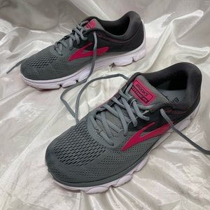 ❌SOLD❌Brooks Anthem Athletic Shoes